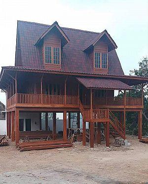 kategori d » rumah kayu di buat dari jenis kayu yg kulitas